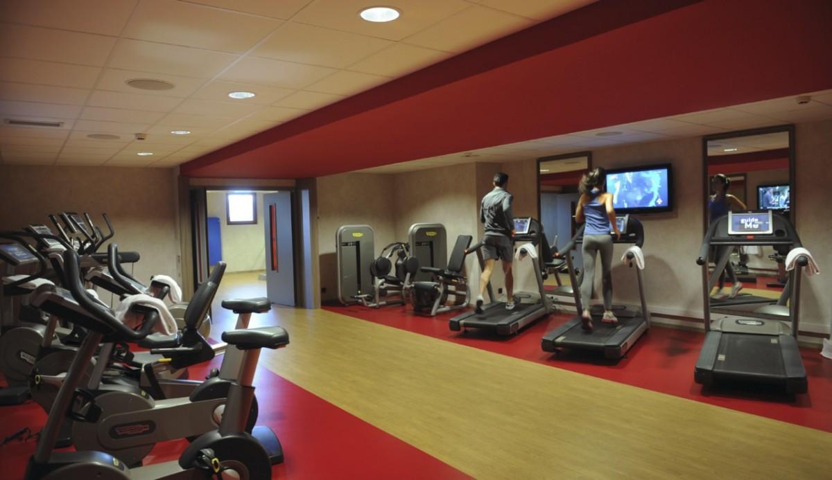 valmorel gym global travel solutions. Black Bedroom Furniture Sets. Home Design Ideas